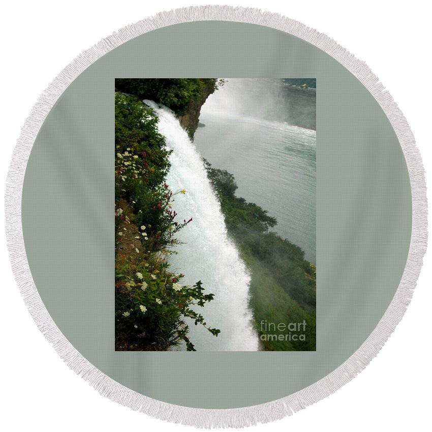 Bridal Round Beach Towel featuring the photograph Bridal Vail Falls by Kathleen Struckle