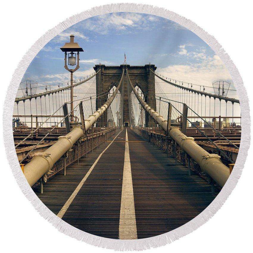 Brooklyn Round Beach Towel featuring the photograph Brooklyn Bridge by Istvan Kadar