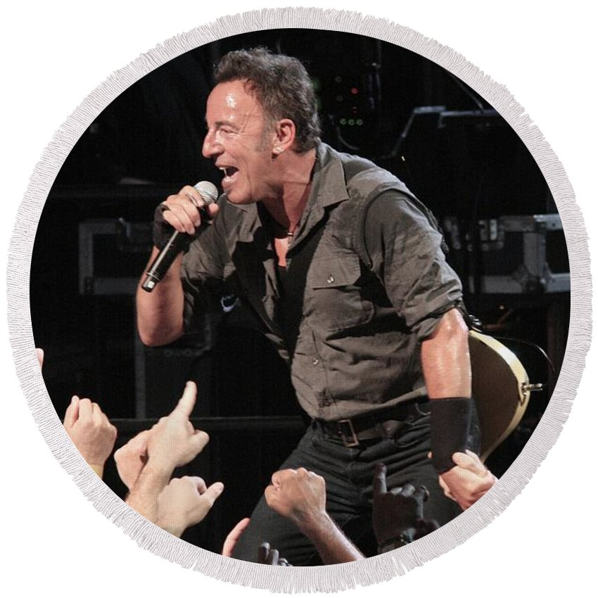 Photos Round Beach Towel featuring the photograph Musician Bruce Springsteen by Concert Photos