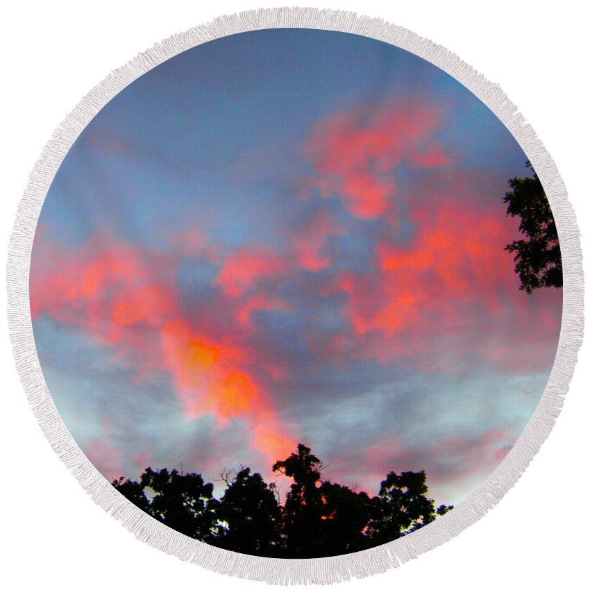 Sky Round Beach Towel featuring the photograph Brush Strokes by Zafer Gurel