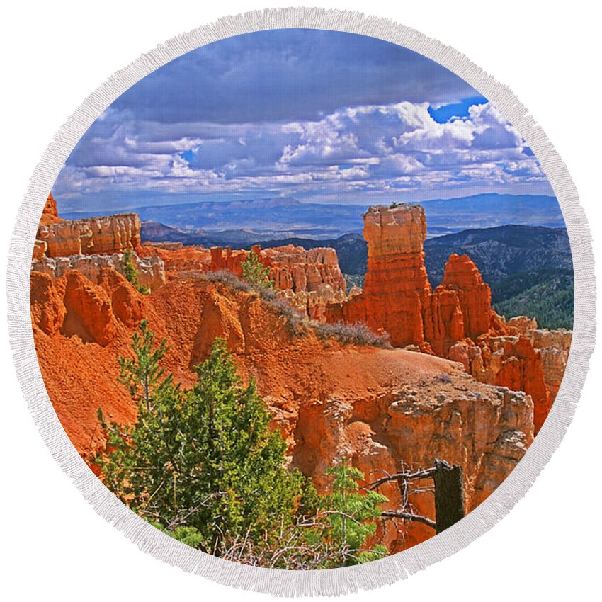 Utah Round Beach Towel featuring the photograph Bryce Canyon's Agua Canyon by Rich Walter