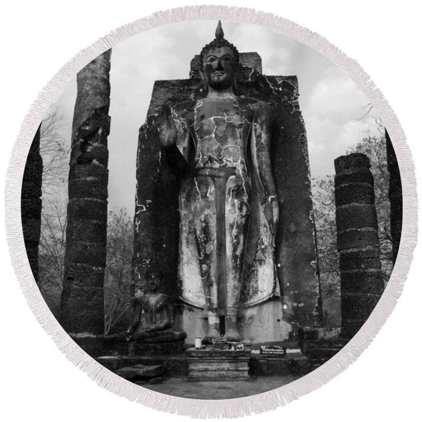 Wat Round Beach Towel featuring the photograph Buddha Wat Sri Chum Thailand 2 by Bob Christopher