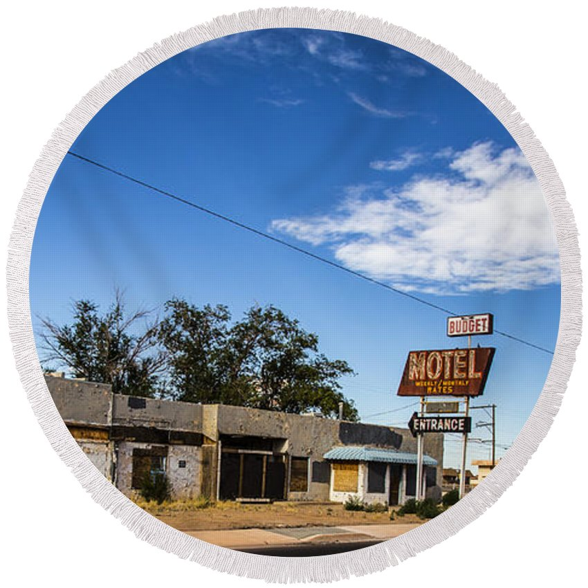 Route 66 Round Beach Towel featuring the photograph Budget Motel by Angus Hooper Iii