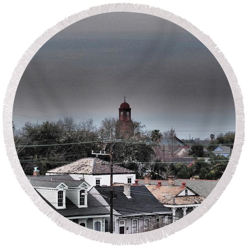 Cityscape Round Beach Towel featuring the photograph Bywater Rooftops by William Morgan