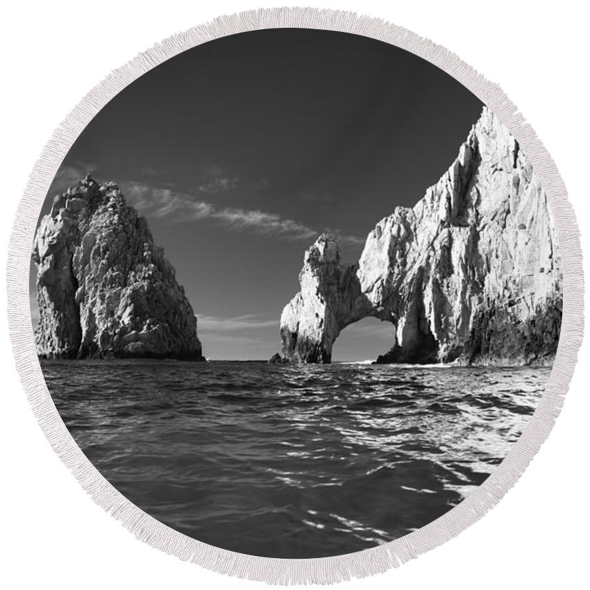 Los Cabos Round Beach Towel featuring the photograph Cabo In Black And White by Sebastian Musial