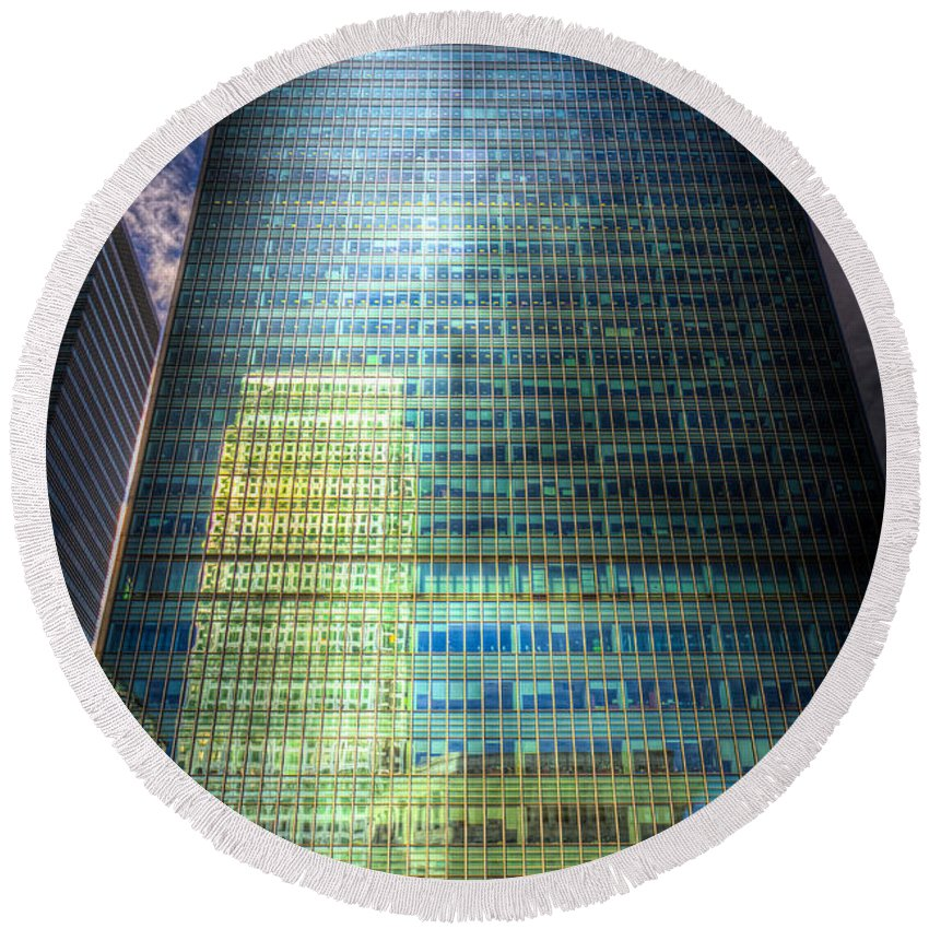 Canary Wharf Tower Round Beach Towel featuring the photograph Canary Wharf Reflections by David Pyatt