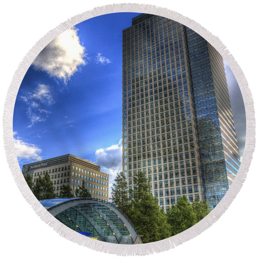 Canary Wharf Round Beach Towel featuring the photograph Canary Wharf Station London by David Pyatt
