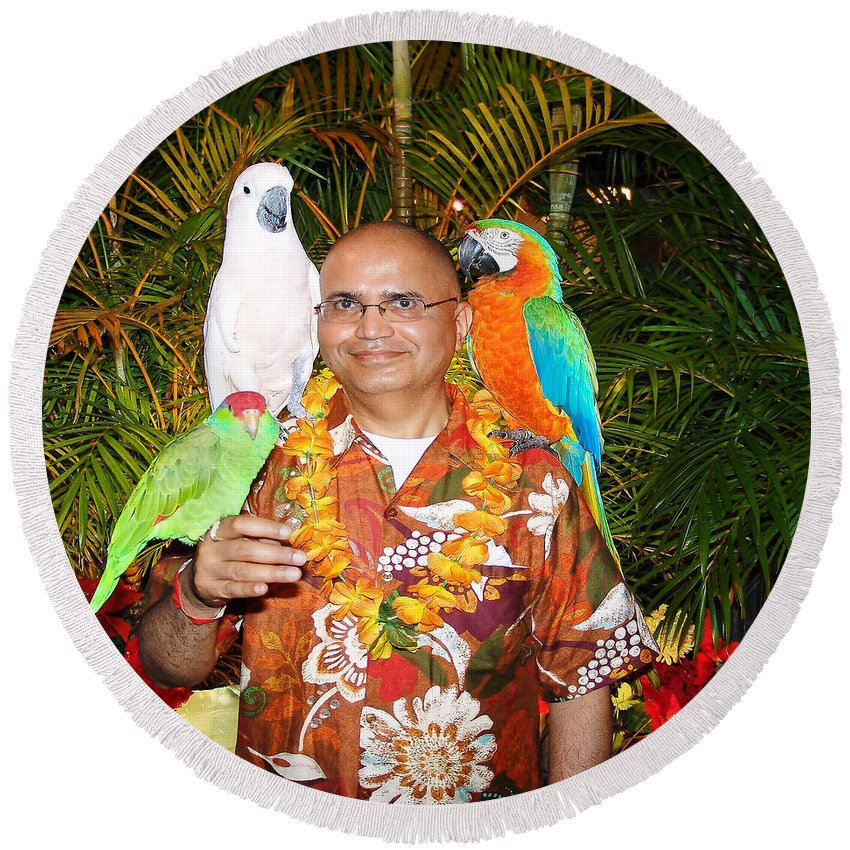 Parrots Round Beach Towel featuring the painting Can't Get Brighter Than This Artist Navinjoshi In Hawaii Travel Vacations With Trained Parrots By P by Navin Joshi