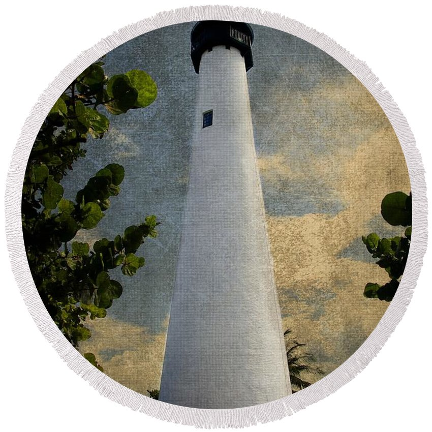 Beacon Round Beach Towel featuring the photograph Cape Florida Lighthouse 1 by Rudy Umans