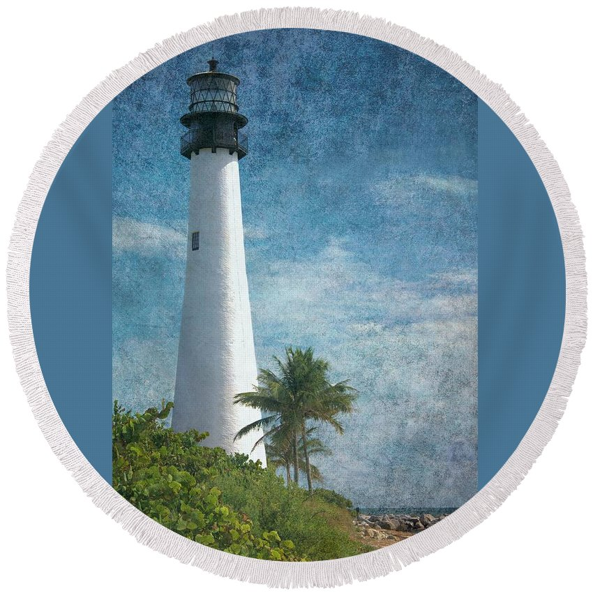 Beacon Round Beach Towel featuring the photograph Cape Florida Lighthouse 2 by Rudy Umans