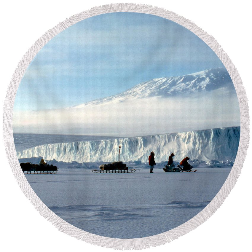Cape Evans Round Beach Towel featuring the photograph Capeevans-antarctica-g.punt-7 by Gordon Punt
