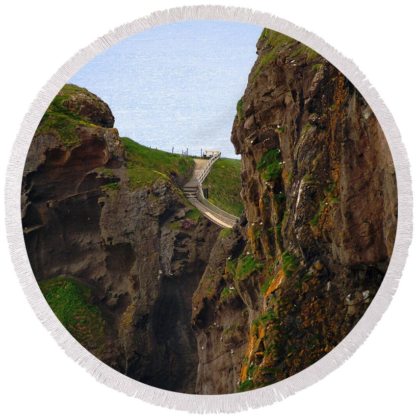Carrick-a-rede Bridge Round Beach Towel featuring the photograph Carrick-a-rede Bridge IIi by Patricia Griffin Brett