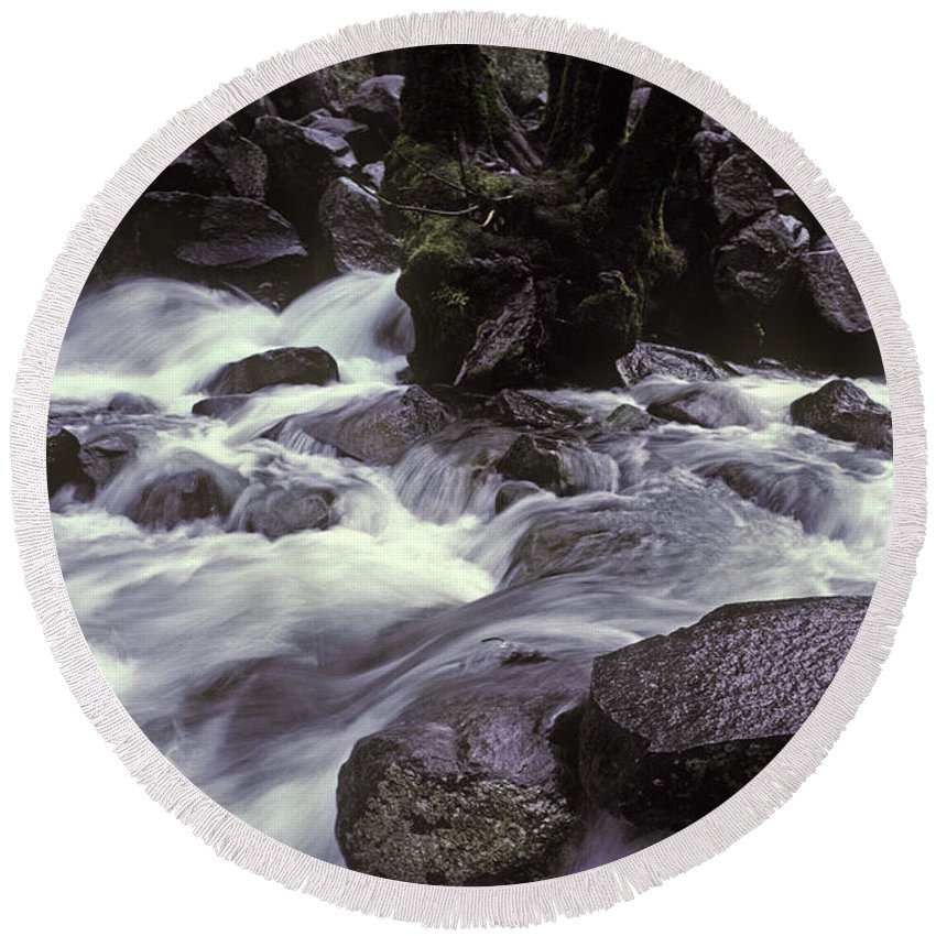 Landscape Round Beach Towel featuring the photograph Cascade by Ron Sanford