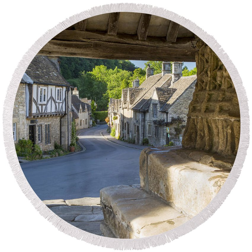 Beautiful Round Beach Towel featuring the photograph Castle Combe - View by Brian Jannsen