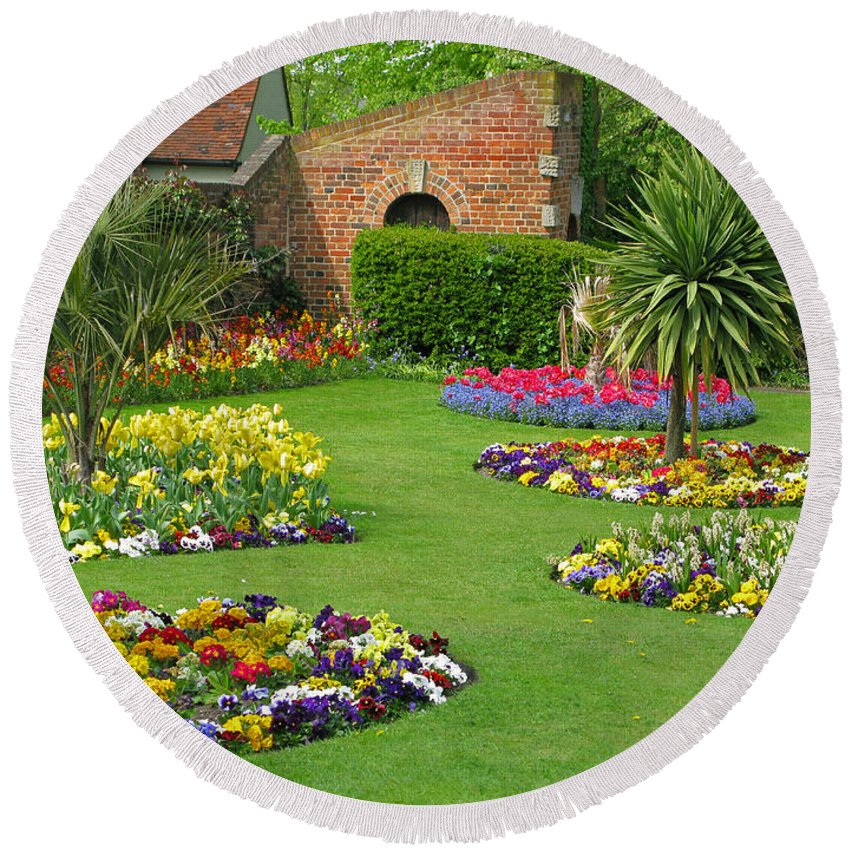 Garden Round Beach Towel featuring the photograph Castle Park Gardens by Ann Horn