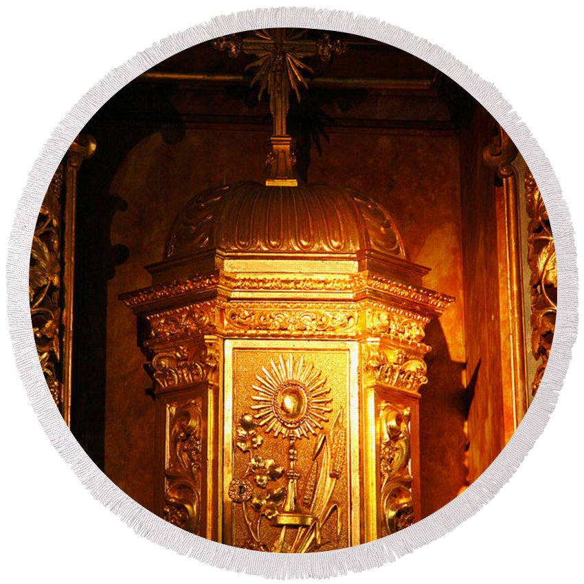 Reliquary Round Beach Towel featuring the photograph Catholic Tabernacle by Gaspar Avila
