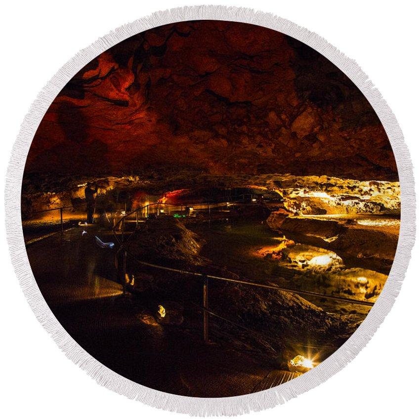 Meramec Caverns Round Beach Towel featuring the photograph Cavern River by Angus Hooper Iii