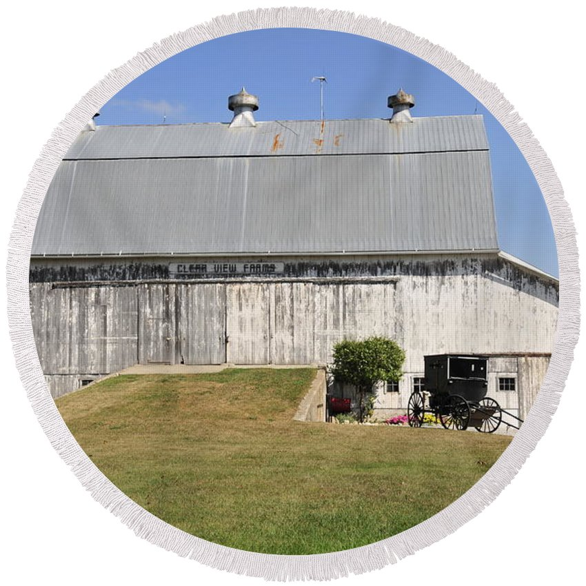 Barn Round Beach Towel featuring the photograph Cedar View Farm Barn by David Arment