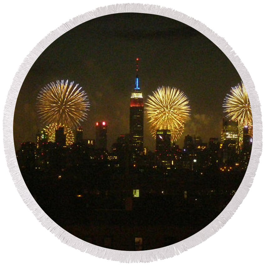 Fireworks Round Beach Towel featuring the photograph Celebrate Freedom by Carl Hunter