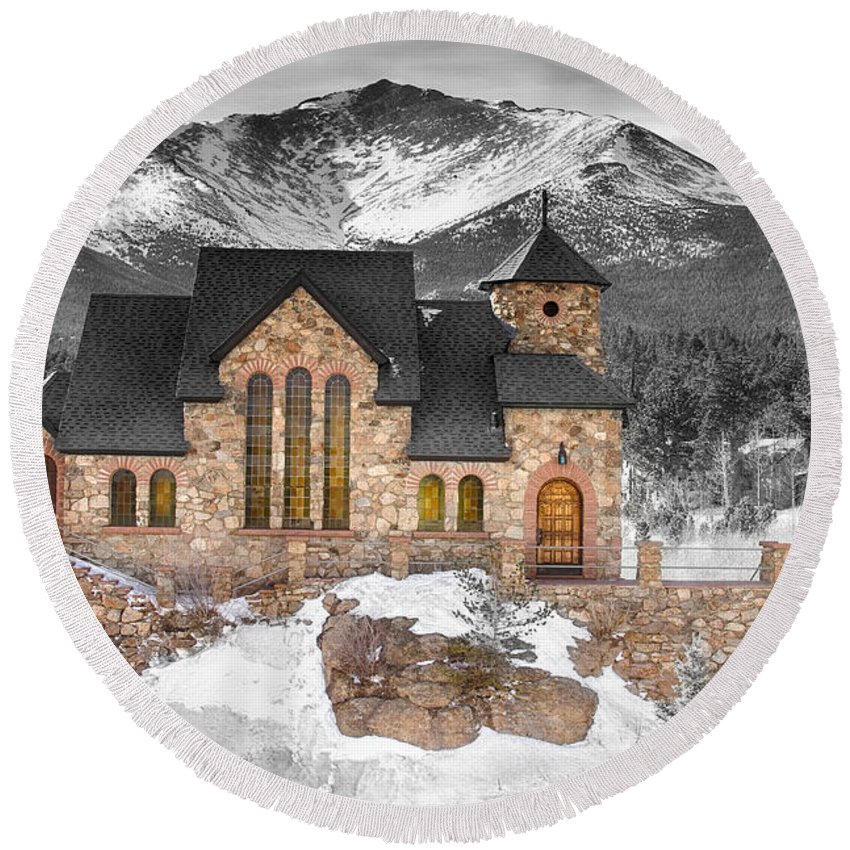 Chapel On The Rock Round Beach Towel featuring the photograph Chapel On The Rock Bwsc by James BO Insogna