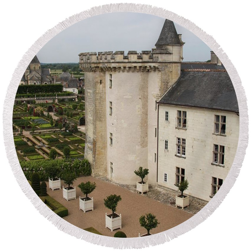 Palace Round Beach Towel featuring the photograph Chateau And Garden - Villandry by Christiane Schulze Art And Photography