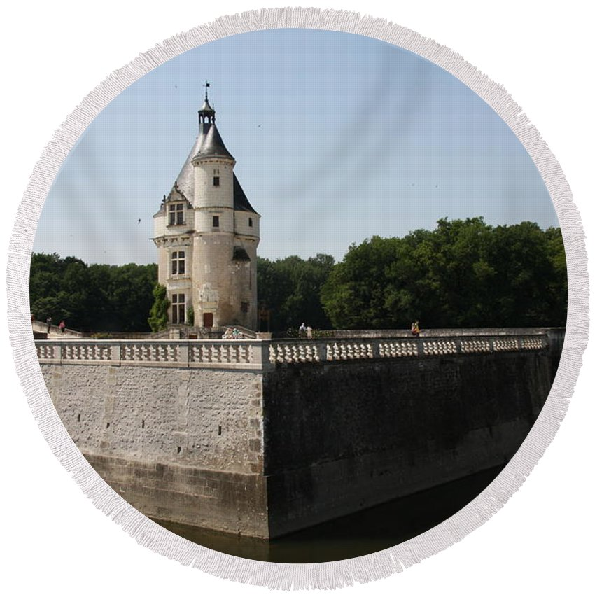 Castle Round Beach Towel featuring the photograph Chateau And Moat Chenonceau by Christiane Schulze Art And Photography