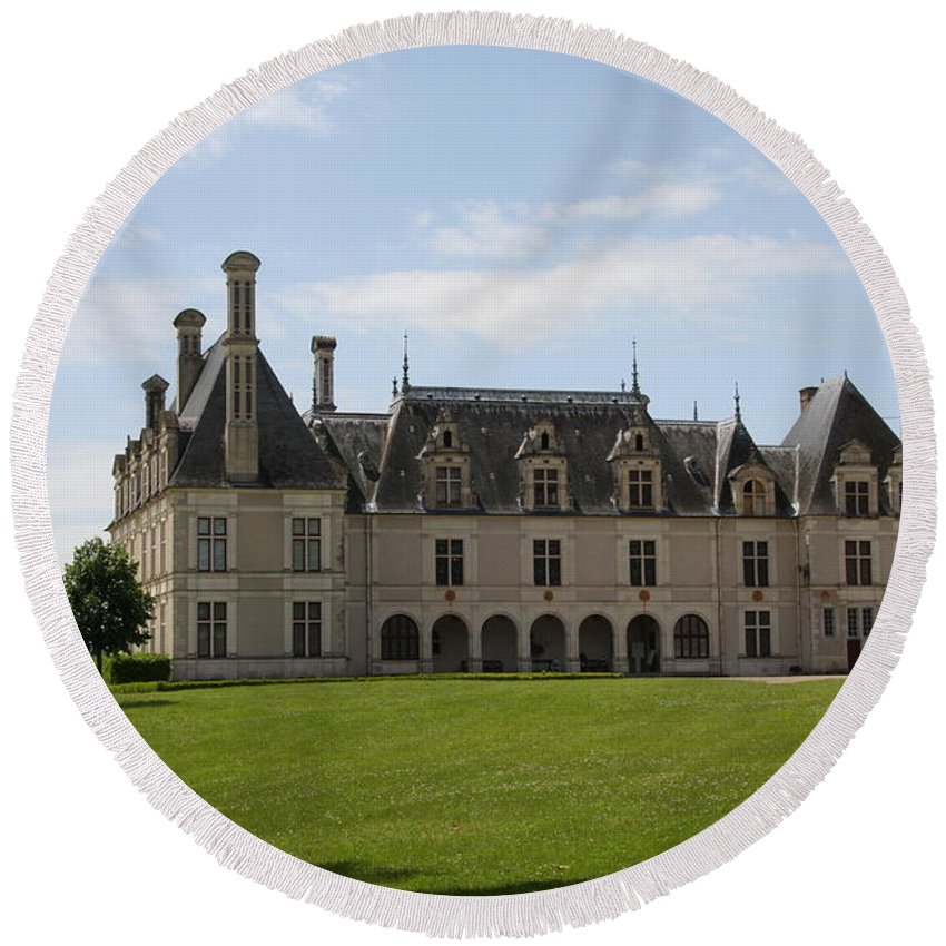 Palace Round Beach Towel featuring the photograph Chateau Beauregard Loire Valley by Christiane Schulze Art And Photography