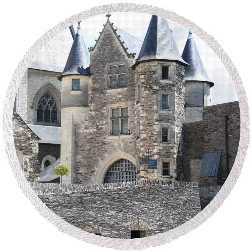Castle Round Beach Towel featuring the photograph Chateau D'angers - Chatelet by Christiane Schulze Art And Photography