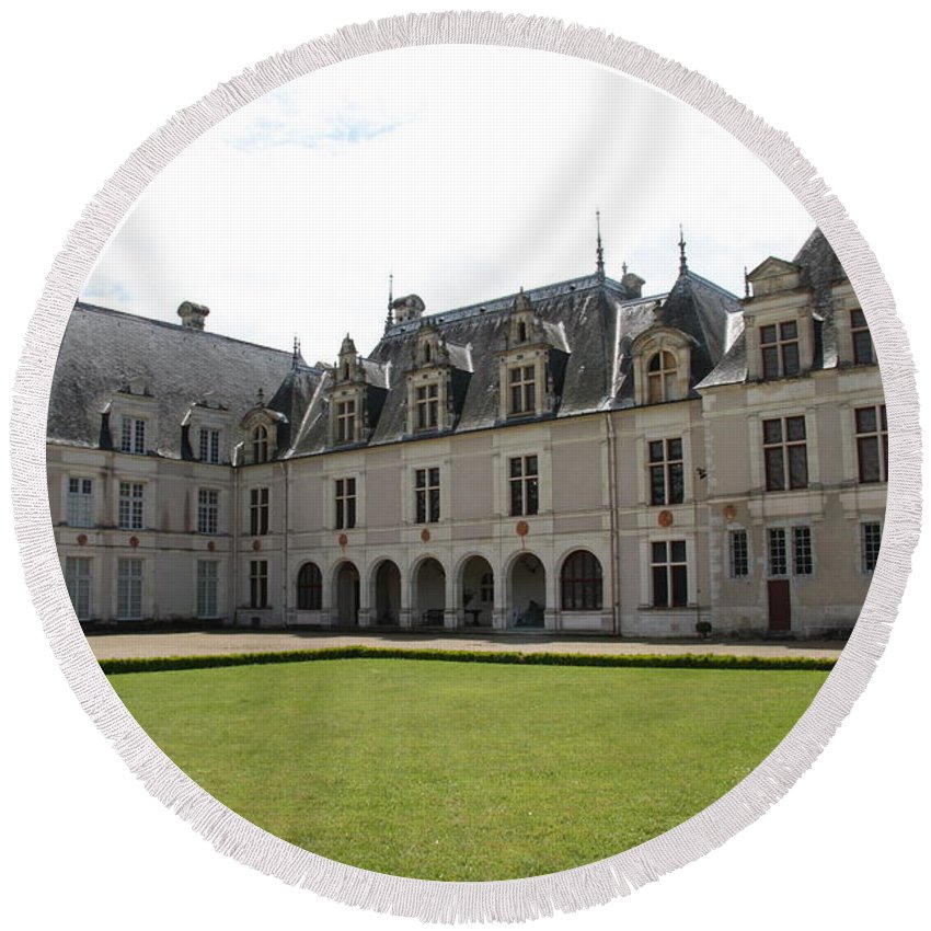 Palace Round Beach Towel featuring the photograph Chateau De Beauregard Loire Valley by Christiane Schulze Art And Photography