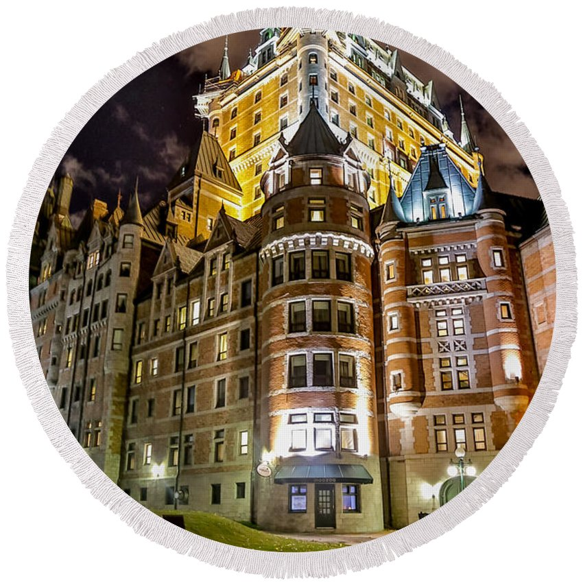 Chateau Frontenac Round Beach Towel featuring the photograph Chateau Frontenac by Bill Lindsay