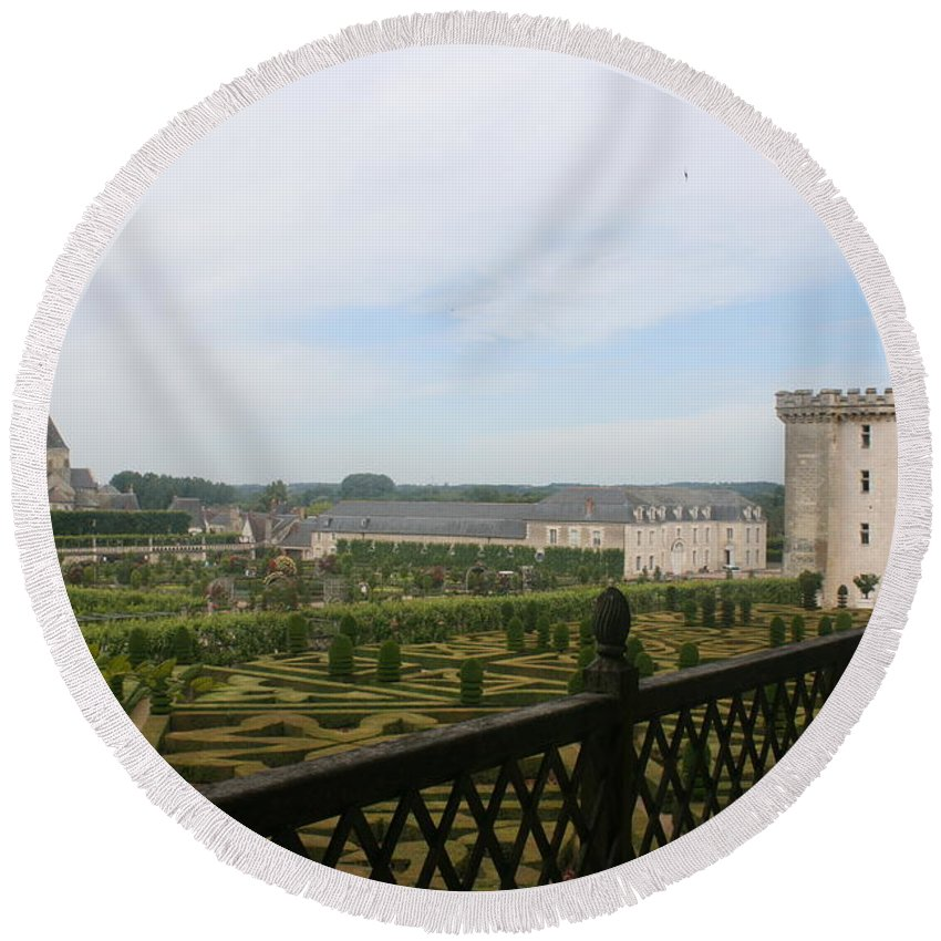 Garden Round Beach Towel featuring the photograph Chateau Vilandry And Garden View by Christiane Schulze Art And Photography