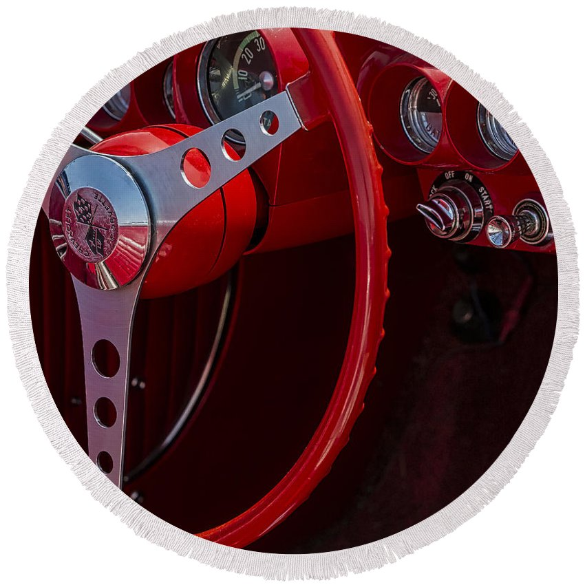 Chevy Corvette Round Beach Towel featuring the photograph Chevrolet Corvette Red 1962 by Susan Candelario