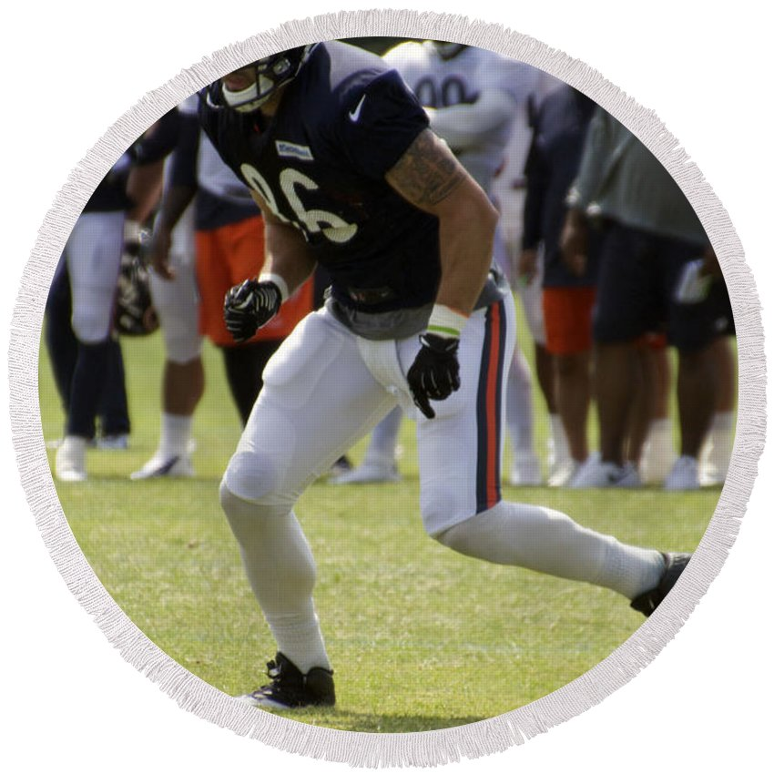 Chicago Bears Round Beach Towel featuring the photograph Chicago Bears Te Zach Miller Training Camp 2014 02 by Thomas Woolworth
