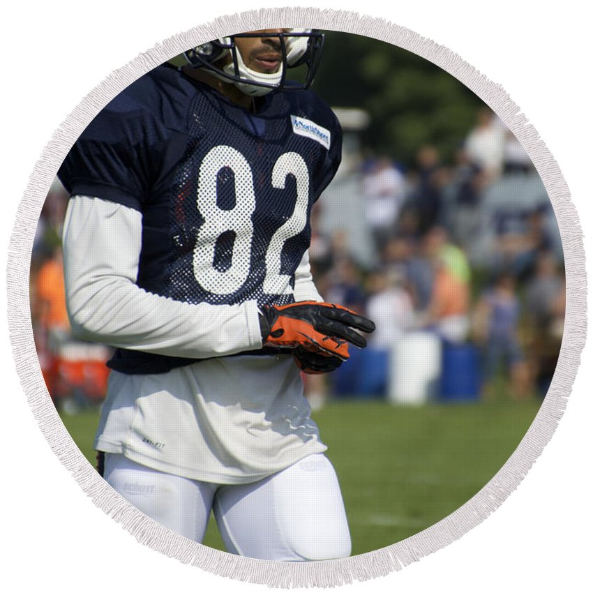Chicago Bears Round Beach Towel featuring the photograph Chicago Bears Wr Chris Williams Training Camp 2014 05 by Thomas Woolworth