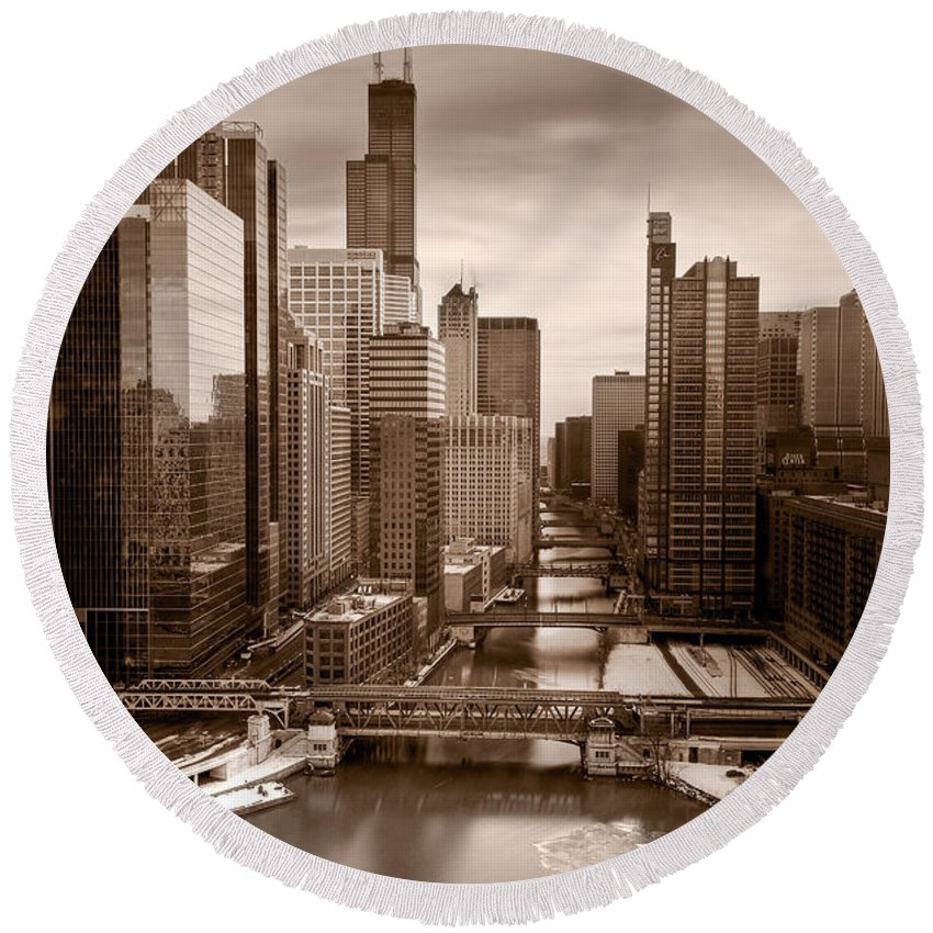 Train Round Beach Towel featuring the photograph Chicago City View Afternoon B And W by Steve Gadomski