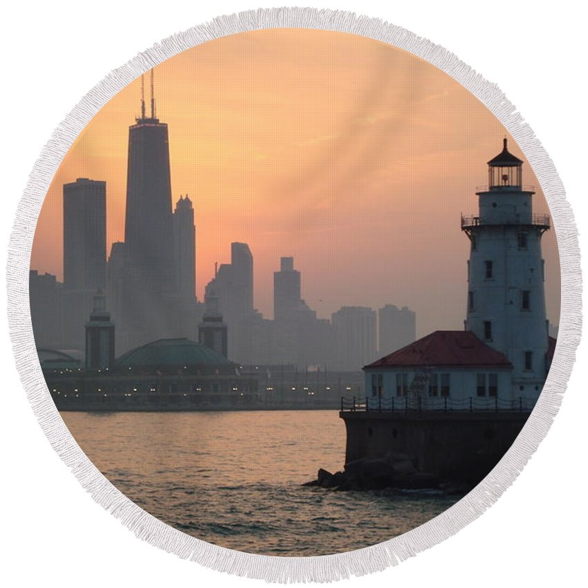 Sunset Round Beach Towel featuring the photograph Chicago Harbor Lighthouse At Sunset by K Conway