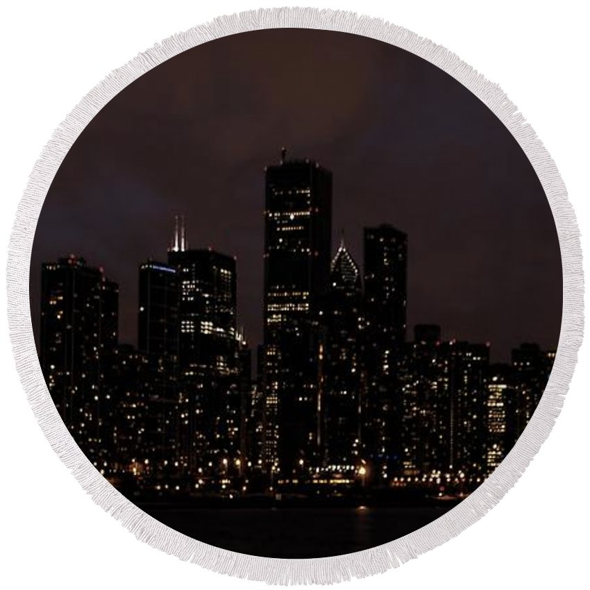 Chicago Round Beach Towel featuring the photograph Chicago Skyline At Night by Ken Smith