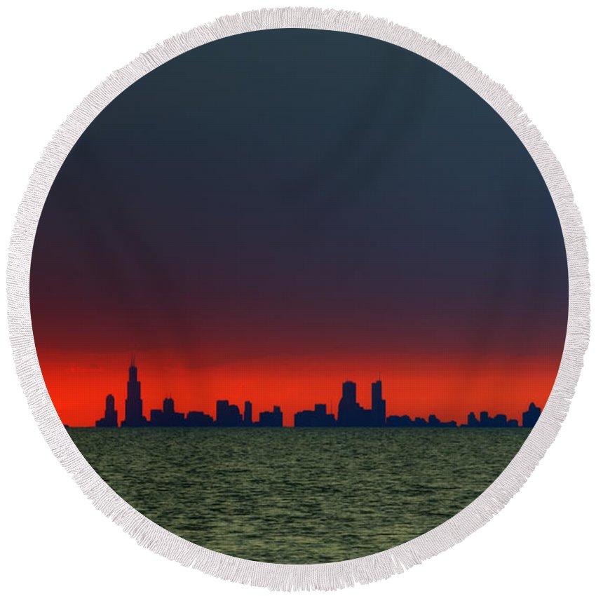 Skyline Round Beach Towel featuring the photograph Chicago Skyline by Scott Wood