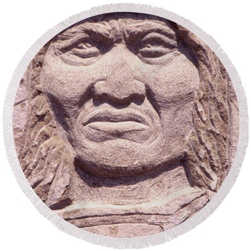 American Indians Round Beach Towel featuring the sculpture Chief-kicking-bird by Gordon Punt