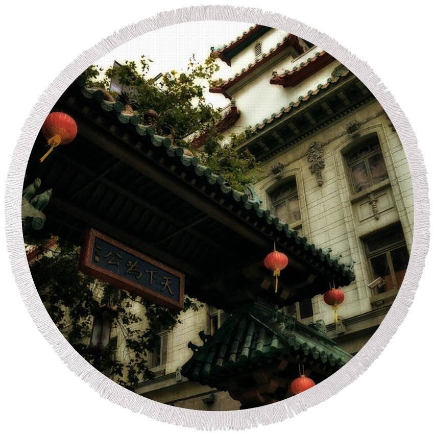 Chinatown Round Beach Towel featuring the photograph Chinatown Entrance by Michelle Calkins