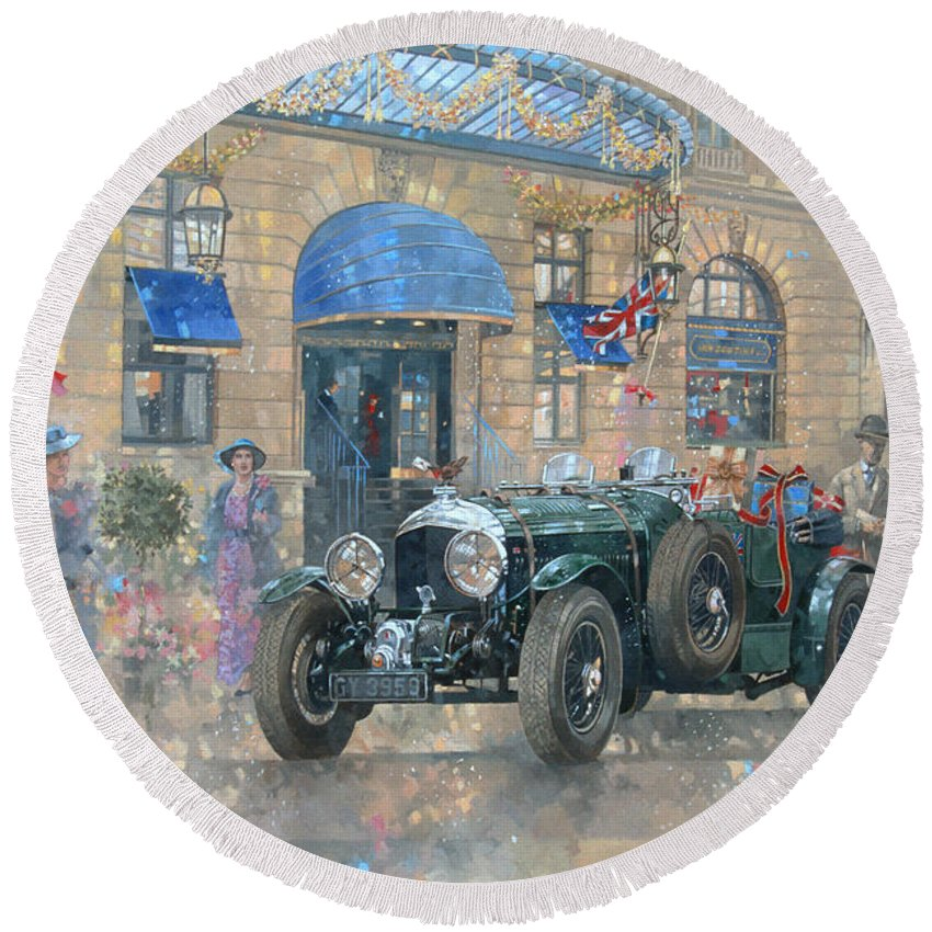 Rolls Royce Round Beach Towel featuring the painting Christmas At The Ritz by Peter Miller
