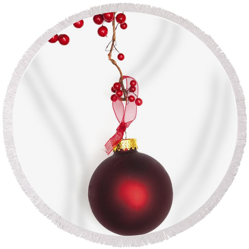 Bauble Round Beach Towel featuring the photograph Christmas Bauble by Diane Macdonald