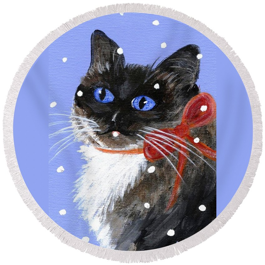 Christmas Round Beach Towel featuring the painting Christmas Siamese by Jamie Frier