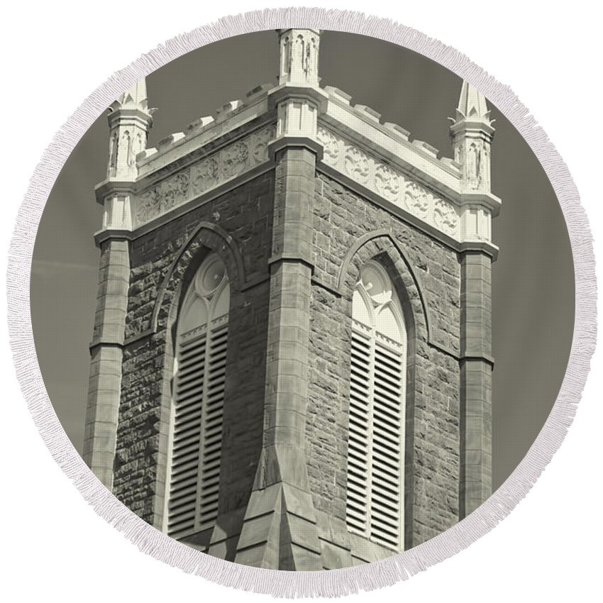 Round Beach Towel featuring the photograph Church In Tacoma Washington by Cathy Anderson