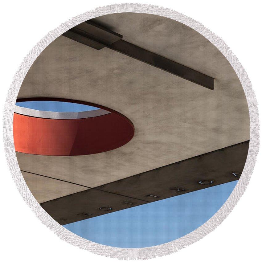 Einstein�rosen Bridge Round Beach Towel featuring the photograph Circle Down by A Rey