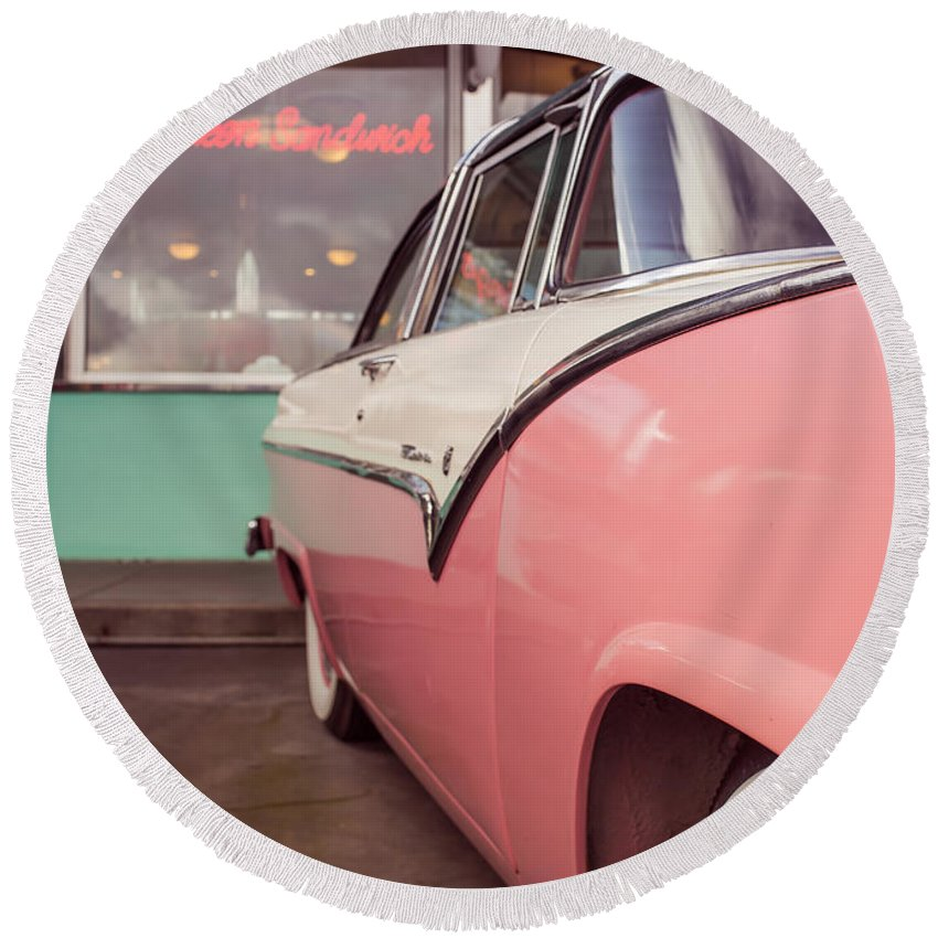 Collection Round Beach Towel featuring the photograph American Graffiti by Edward Fielding