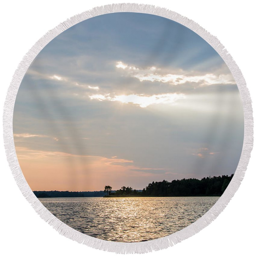 Round Beach Towel featuring the photograph Clayton Lake Sunset by Cheryl Baxter