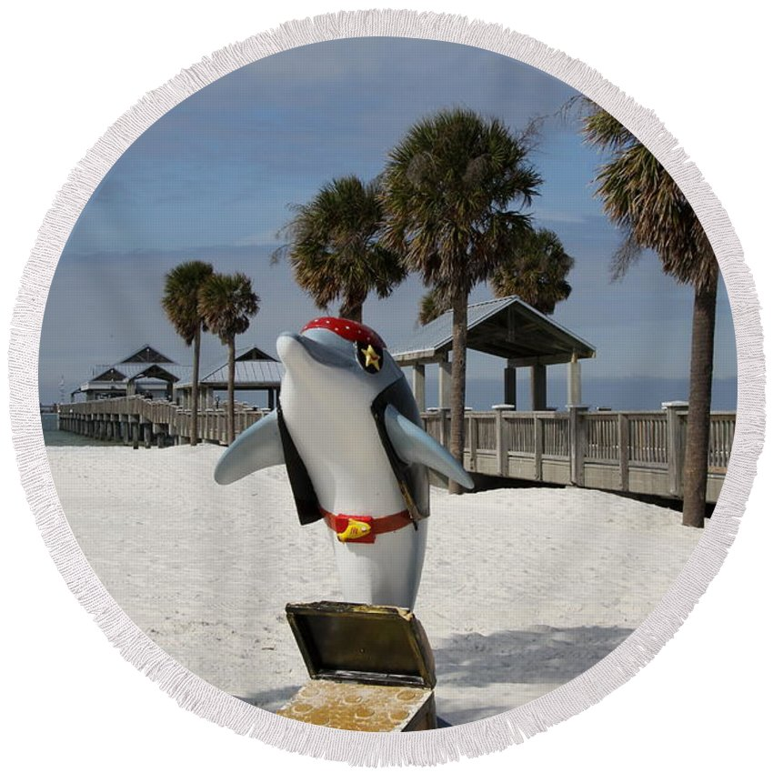 Clearwater Round Beach Towel featuring the photograph Clearwater Beach Pirate by Christiane Schulze Art And Photography