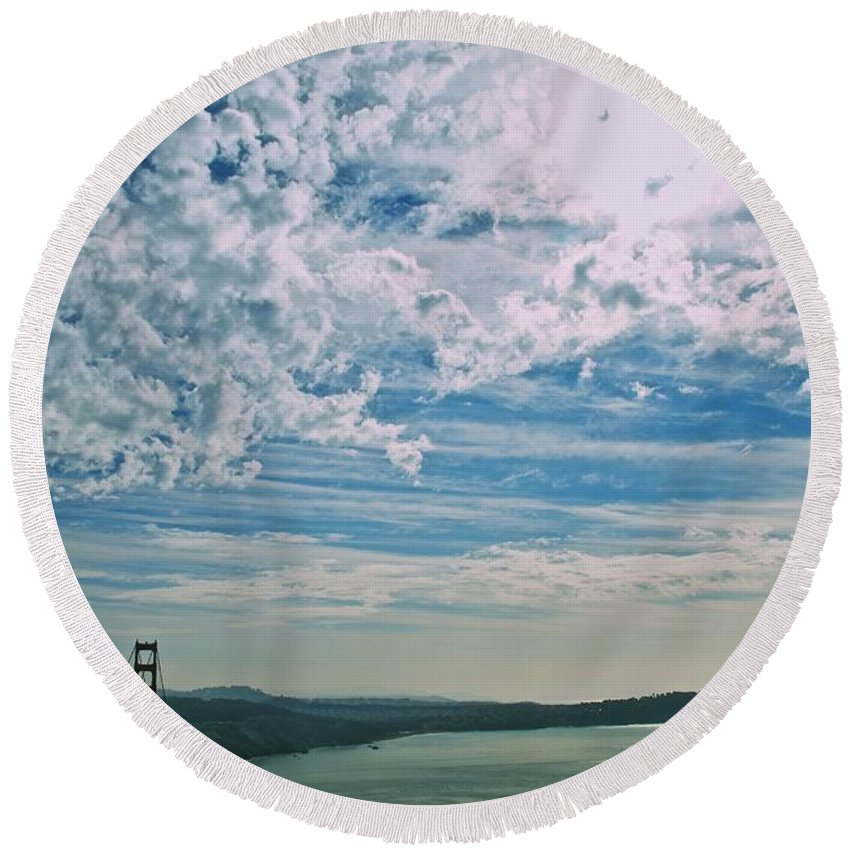 San Francisco Round Beach Towel featuring the photograph Clouds Dropping In by Eric Tressler