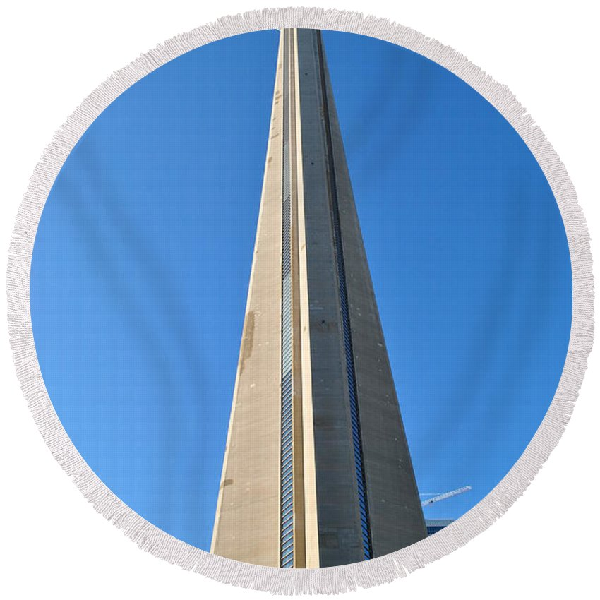 Cn Tower Round Beach Towel featuring the photograph Cn Dreaming by Jim Hogg
